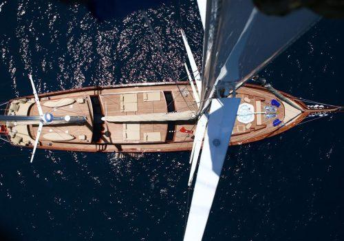 12 island boat cruise